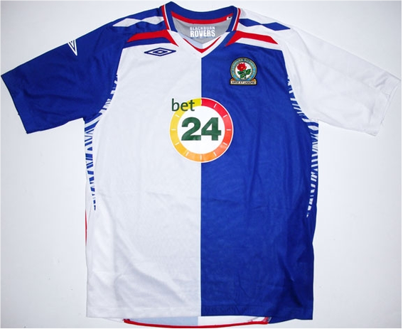 Worn when Rovers finished a respectable 7th thanks to the great strike partnership of Roque Santa Cruz and Benni McCarthy.