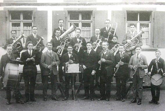 """Musikverein """"Bienwaldklänge"""" im Jahr 1924"""