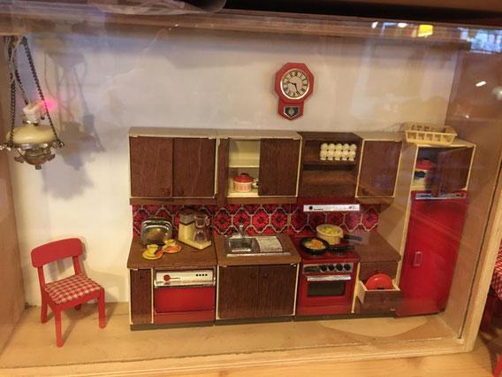 Lundby of Sweden Dollhouse : cuisine vintage miniature ( avec éclairage)