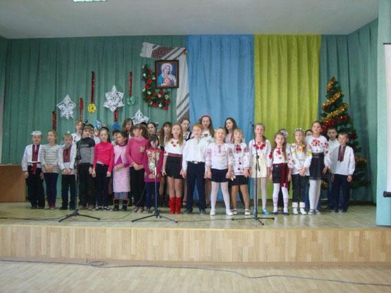 Вітаємо із святами Різдва та Нового Року англійською мовою