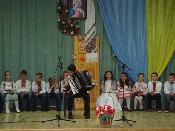 Наш акордеоніст