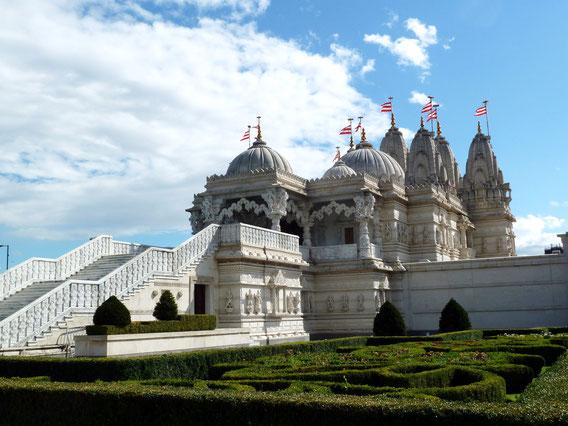 BAPS Shri Swaminarayan Mandir (Neasden Temple)