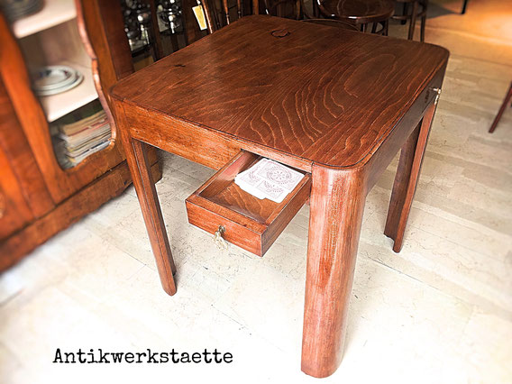 Thonet card table