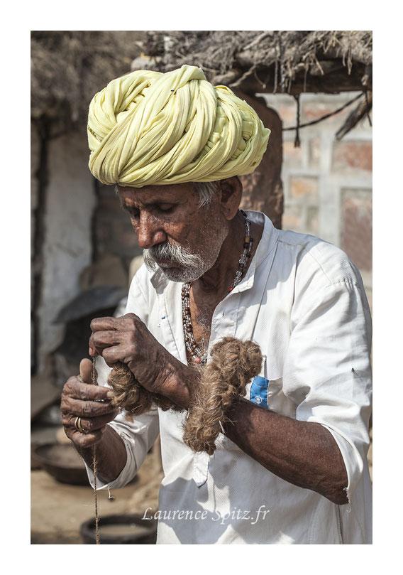 • Le fileur de laine • Communauté Bishnoi