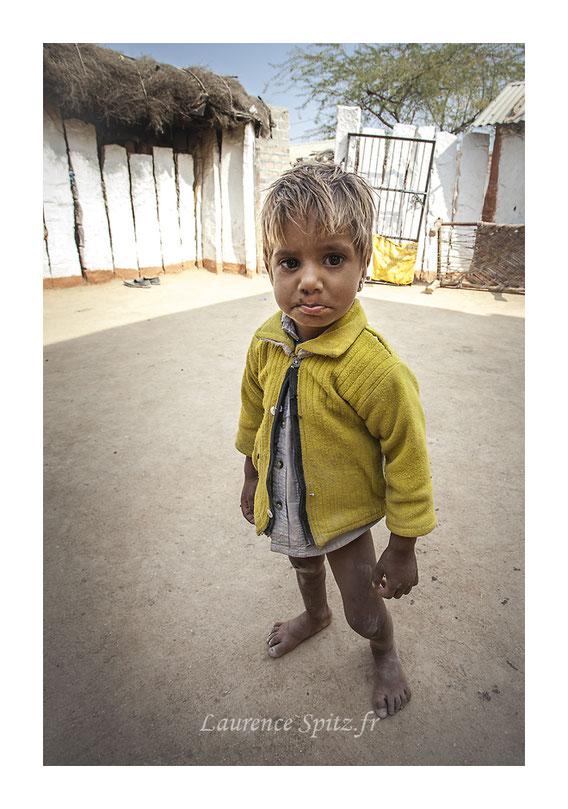 • La moue • Enfant de la communauté Bishnoi