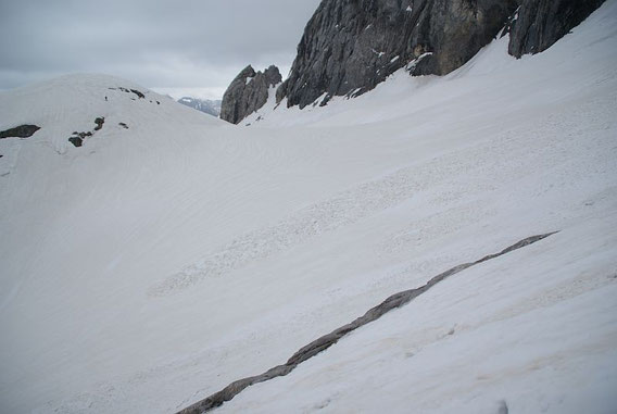 Blick vom westlichen Gletscherrand zur Moräne