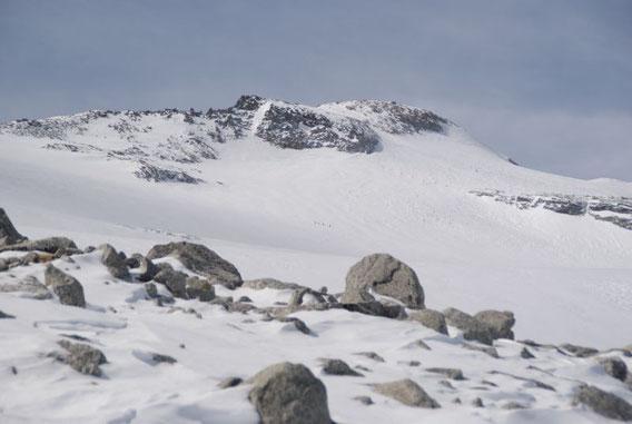 Die lange Gletscherquerung bei der Abfahrt aufgenommen