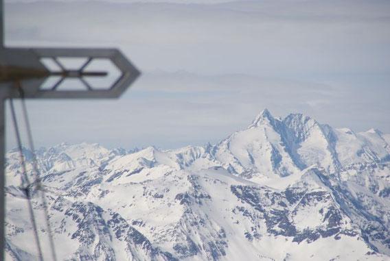Zuletzt noch ein Blick zum höchsten Berg Österreichs, dem Großglockner. Das Eisleitl ist im März 2010 weitestgehend schneefrei!