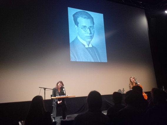 Lesung mit Patricia Litten während des NIHRFF (Internationales Menschenrecht Film Festival Nürnberg) mit der Musikerin Birgit Förstner