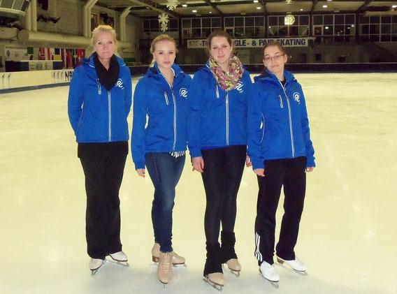 """KUFENKIDS"" Trainerinnen/Betreuerinnen Saison 2016/2017  ( v.l. Anja, Isabel, Kathi, Kristine)"