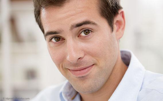 Zahnlücke: Zahnbrücke oder Implantate mit Kronen?