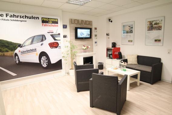 Moderne Schulungsräume in der Fahrschule Pro Drive Köln