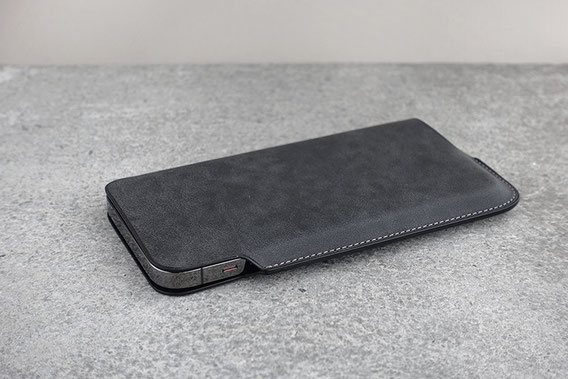 Lim Phone Sleeve for iPhone 13 / 13 mini / 13 Pro / 13 Pro Max