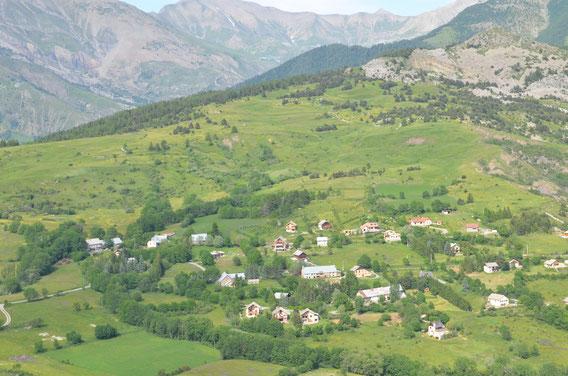 Panorama depuis les gîtes de la Pierre de la Miausie