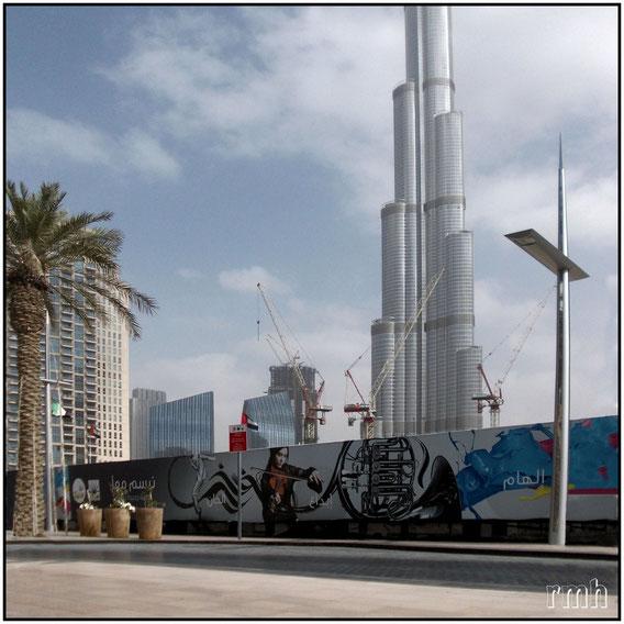Street scene, Dubai, UAE