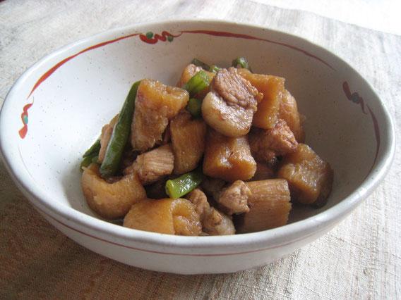 豚肉と凍み大根を煮干しダシで煮てみました