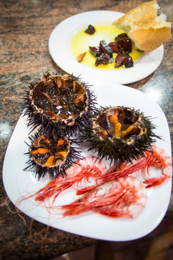 Un almuerzo de lujo patrocinado por El Marino en el Bar Bonanza del Mercat de Dénia. Xepo W. S.