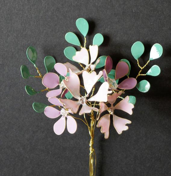 bouquet de fleurs en vernis à ongles: univers emylila