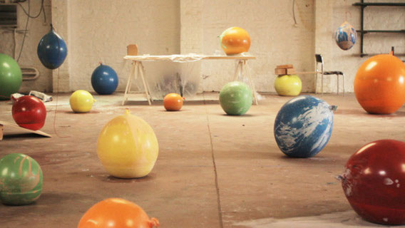 la fabrication des bols en plâtre de Maarten-De-Ceulear