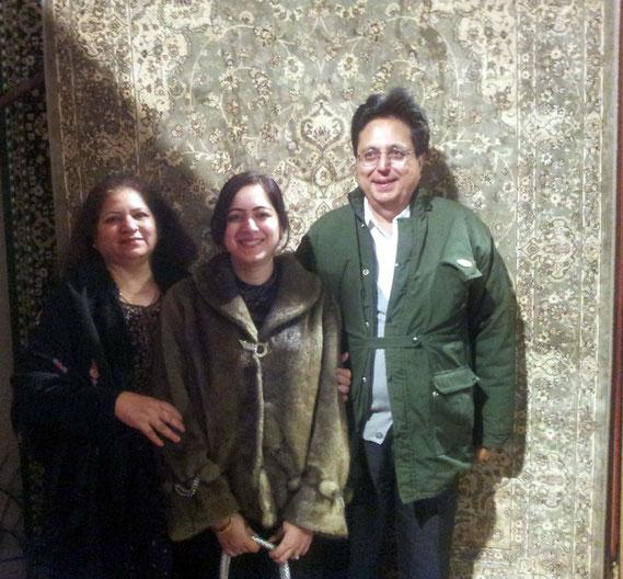 The Khilnani's ( L-R   Meena, Pooja & Raj ) visited Melbourne from Mumbai - June 2012