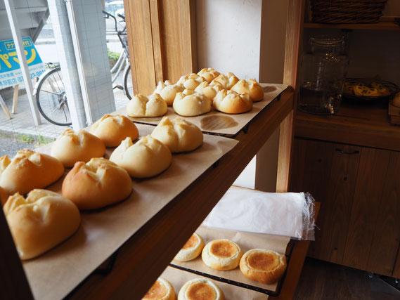 ツヤツヤでもちもちの美味しいパン