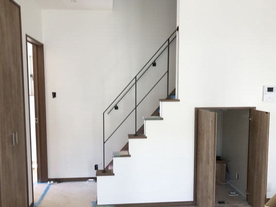 スチール製!階段手摺と壁付け手すり