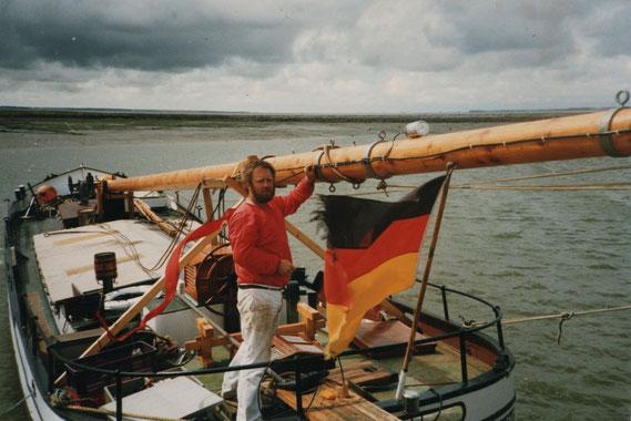 An Hans hat Folkert Bockentien 10 Jahre restauriert und gebaut, Hans wurde 1994 an Friedemann Ohms nach Flensburg verkauft.
