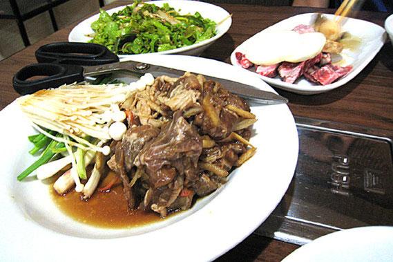 韓国本場の家庭料理が食べられる