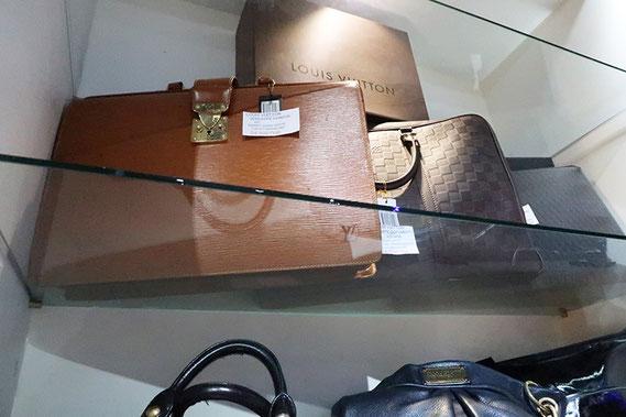 ea00a6767513 高級ブランド品の買取、販売 - タイ バンコク タイ自由ランド