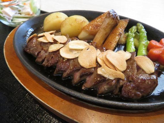 ランチのオーストラリア牛のステーキの定食