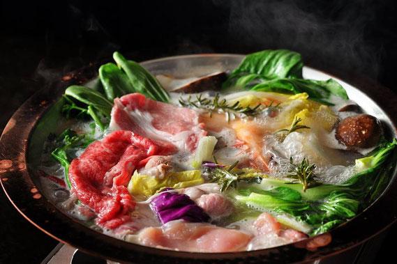 日本と中華の融合鍋。ファイヤー鍋