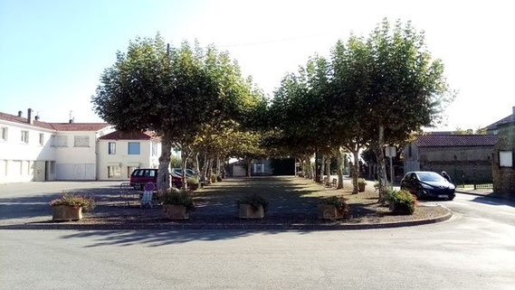 place du Foirail - Castelnau Riviere Basse