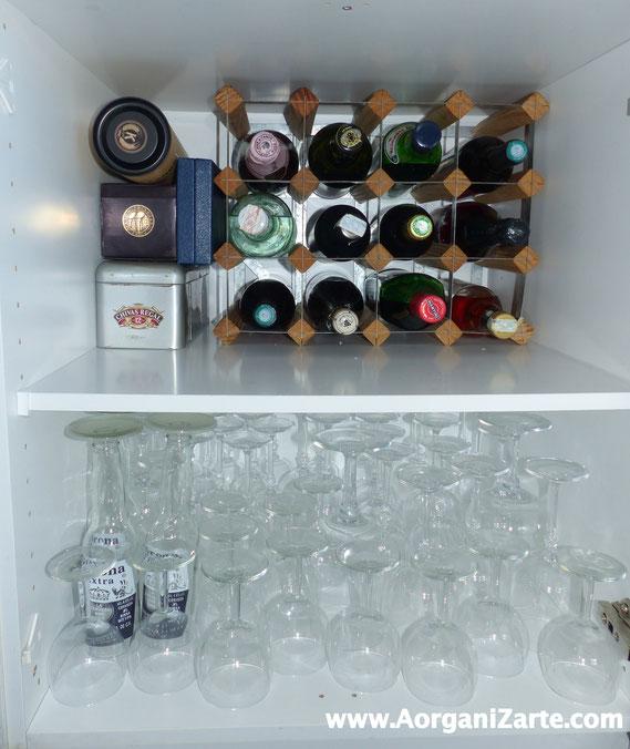 Guarda las botellas de uso más frecuente en casa . AorganiZarte