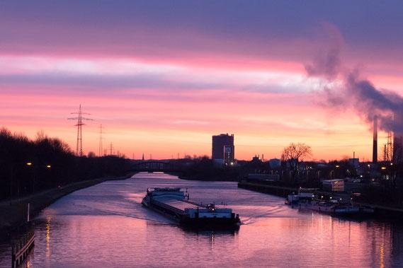 Sonnenaufgang am Rhein Herne Kanal, Oberhausen