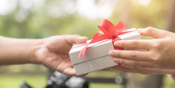 結婚指輪のお返しプレゼントの渡すタイミング
