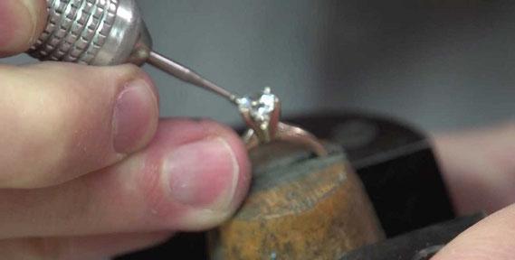 結婚指輪を手作りするメリットやデメリットとは?