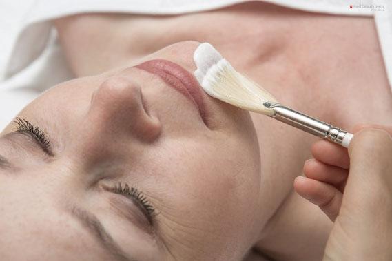 Anti-Aging Fruchtsäurebehandlung in Basels Kosmetikstudio