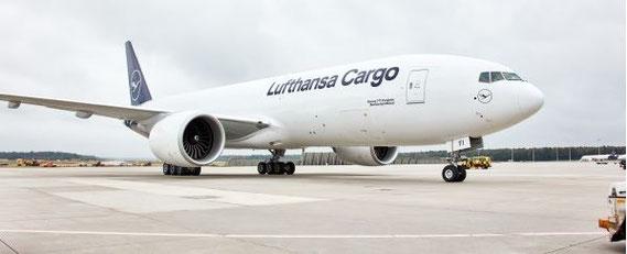 Welcome to Frankfurt, D-ALFI. Image: Lufthansa Cargo