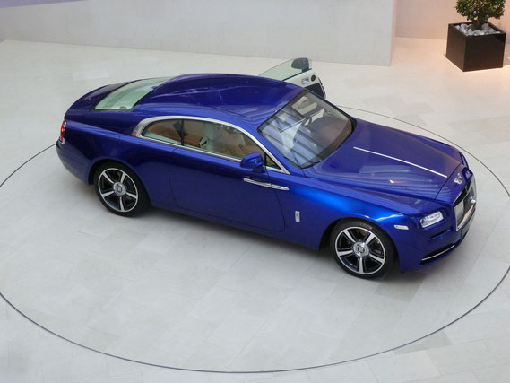 Rolls Royce Wraith twin turbo-charged V12, 6,6 liter, 624 bhp, 800Nm, 0-100km/h in 4,6 sec,