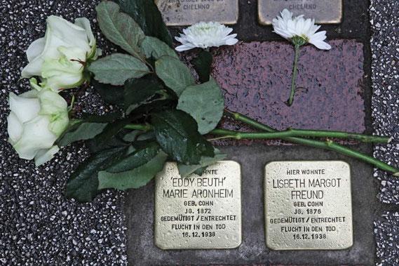 Stolperstein Eddy Beuth (geb. Marie Cohn) und ihre Schwester