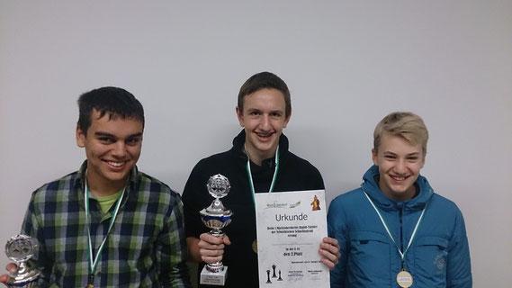 Die Buchloer Teilnehmer (v.l.n.r.): Simon Bogner, Uli Weller, Gregor Protschka. Auf dem Bild fehlen Leon und Dilan Hacklinger.