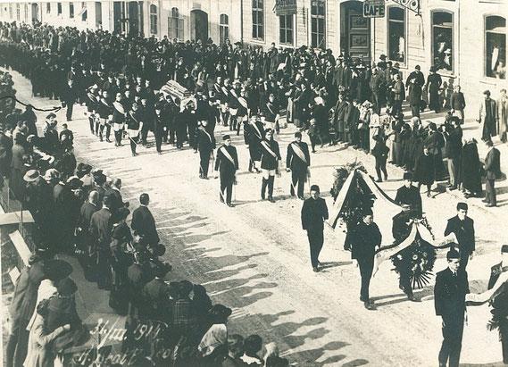 Begräbnis Karpinski 31.03.1914 (siehe Kaleidoskop / Zwei Tödliche Duelle)
