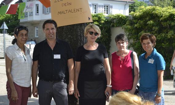 Frau Weber (HSL Team ILB e.V.), Herr Kühn (Rektor Pestalozzischule Durlach), Frau Sarenkapa (1. Vorsitzende ILB e.V.), Frau Kneis (HSL Team ILB e.V.), Frau Eicke (1.Vorsitzende Förderverein Pestalozzischule Durlach e.V.)