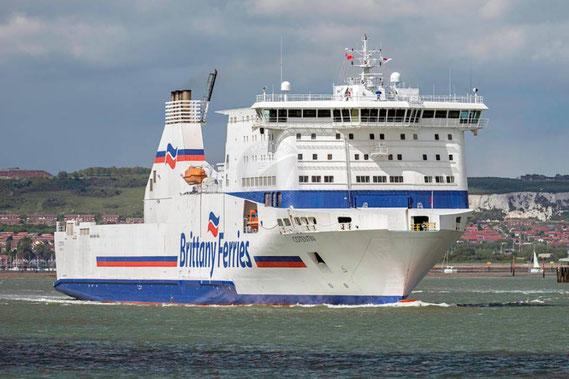 M/V Cotentin arrivant à Poole en provenance de Cherbourg-en-Cotentin.