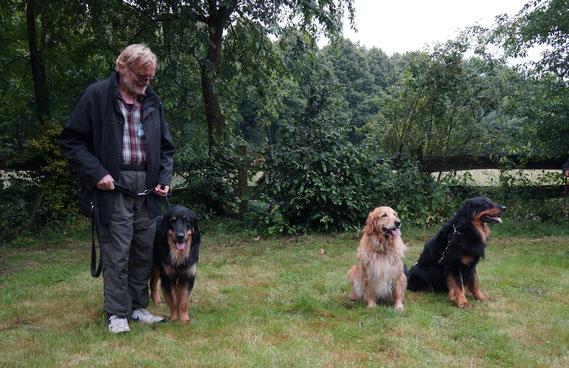 von rechts nach links: Vater, Mutter, Bastian-Kind
