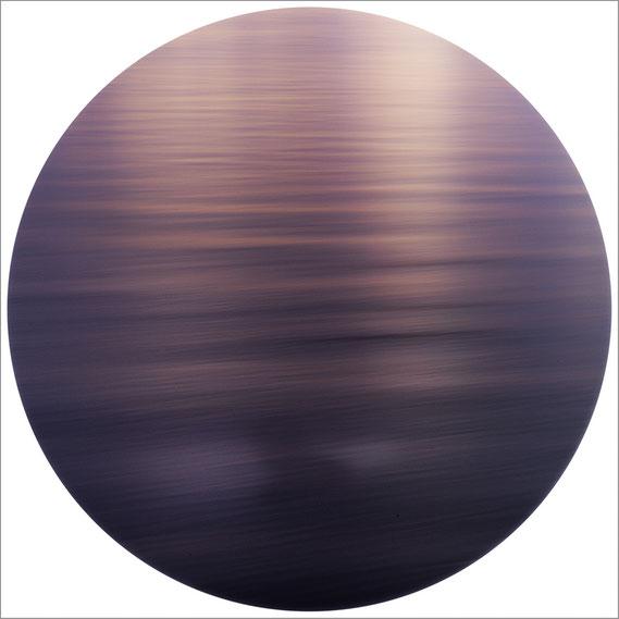 Bild: Interferenz V, 2014 - Ultrachrome K3 Pigmentdruck - 103,2x 103,2 cm - Auflage 3 Maße variierend + 2 E.A.  Marc Junghans Fotografie