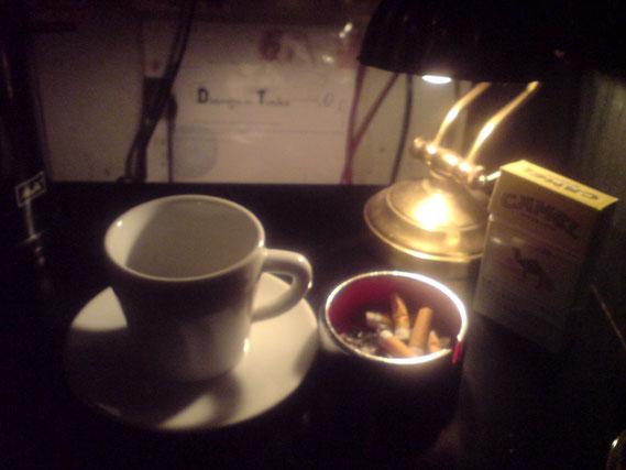 「裏窓」のコーヒー。おいしすぎて飲んでしまってからの写真。