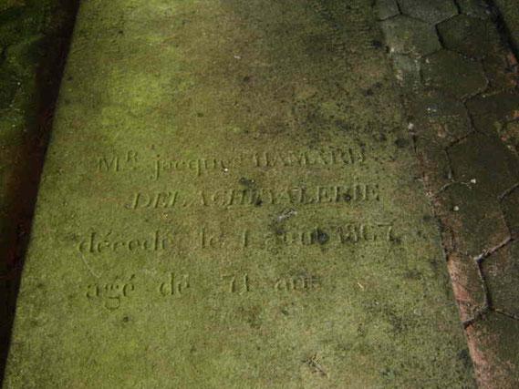 La tombe de Jacques Hamard de la Chevalerie décédé le 1 août 1867 à l'âge de 71 ans