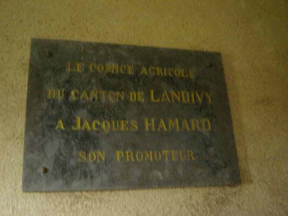 Cette plaque fut posée pour le centenaire du comice en 1941