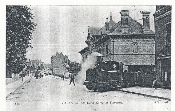 Le train quittant la gare de tramways de Laval